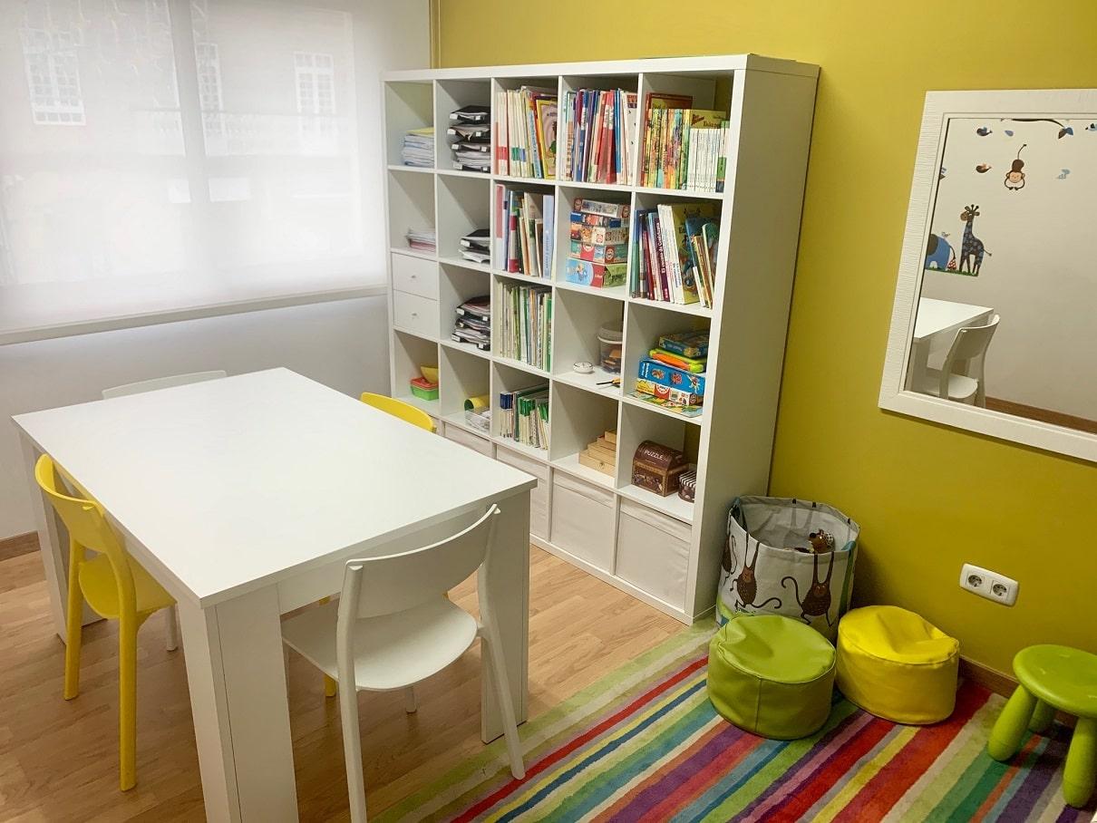Instalaciones - sala de lectura y juegos para niños de Áreas Psicología en Cangas do Morrazo