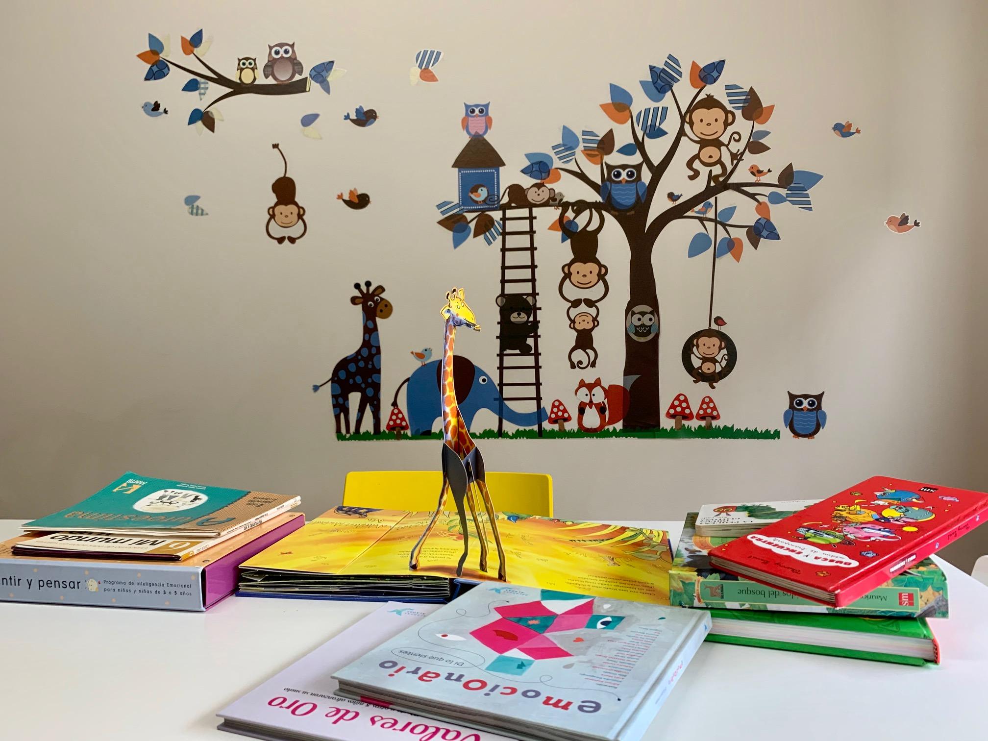 Instalaciones Áreas Psicología - Mesa para niños zona de lectura